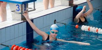 SMS z medalami w zawodach pływackich