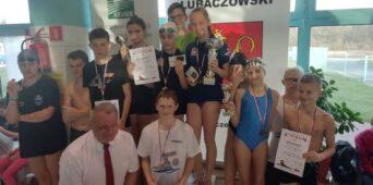 Sukcesy uczniów SMS na XI Zawodach Pływackich z okazji Święta Niepodległości - Horyniec Zdrój